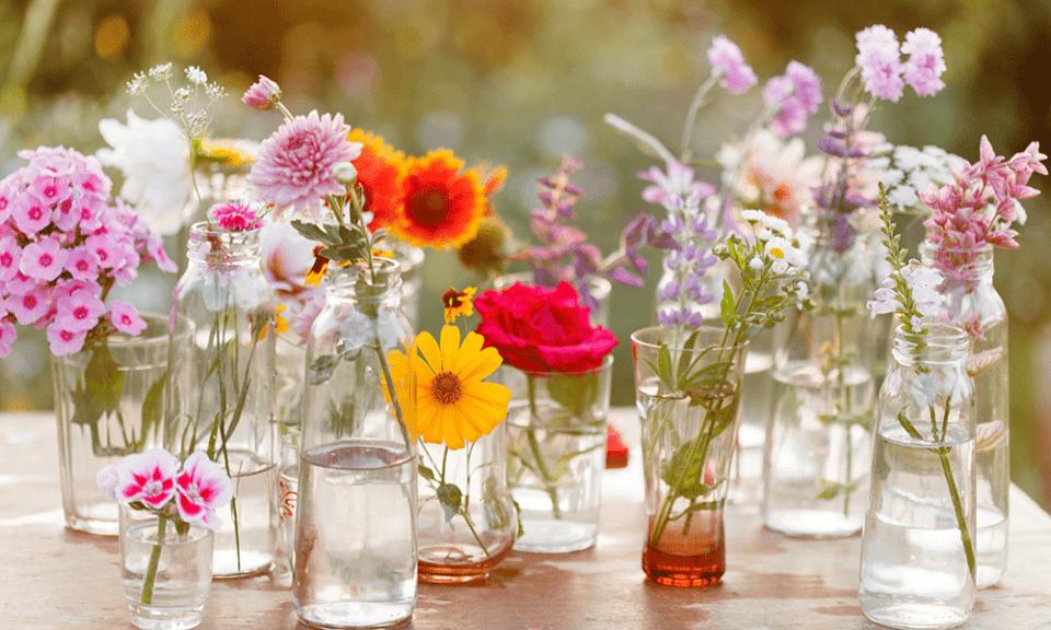 Como fazer arranjos de flores – Decoração com flores naturais e artificiais